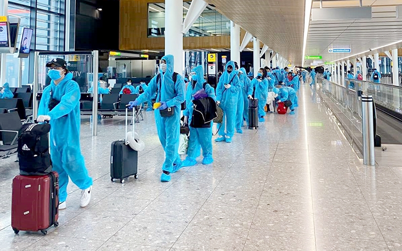 Vietnam to recheck visa granting process for foreigners
