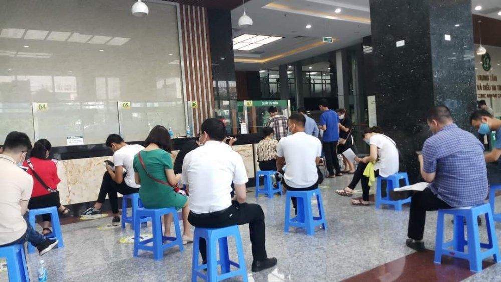 600 Vietnamese diplomats receive Covid-19 vaccine shots
