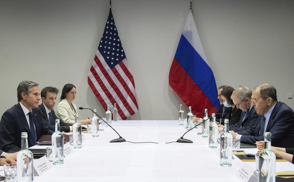 Top US and Russian diplomats hold first high-level meeting of Biden's presidency