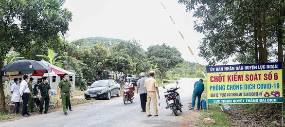 A checkpoint has been set up in Luc Ngan district to s