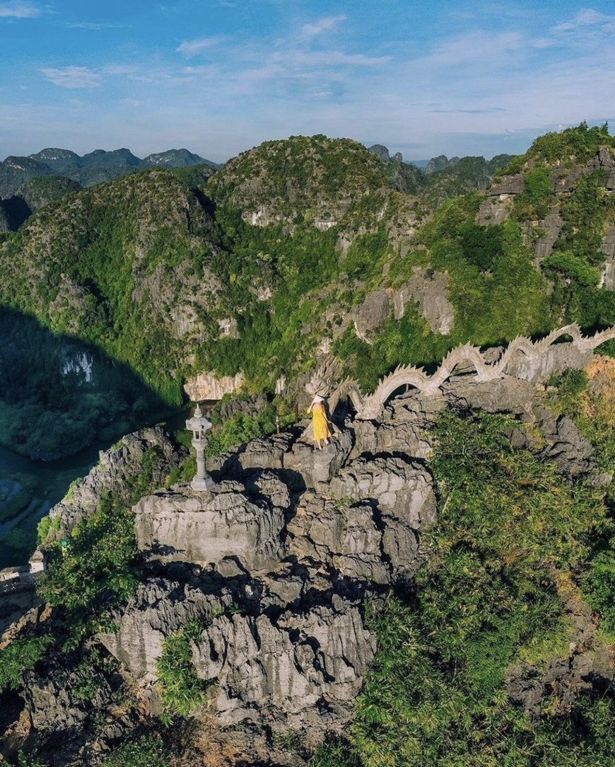 At the moment, Hang Mua has been developed as an eco-tourism complex with Hang Mua resort (peaceful & nice view of rural villages & mountains) that you can spend your relaxed night in, and with trekking activities you can take part in to visit Mua Cave.