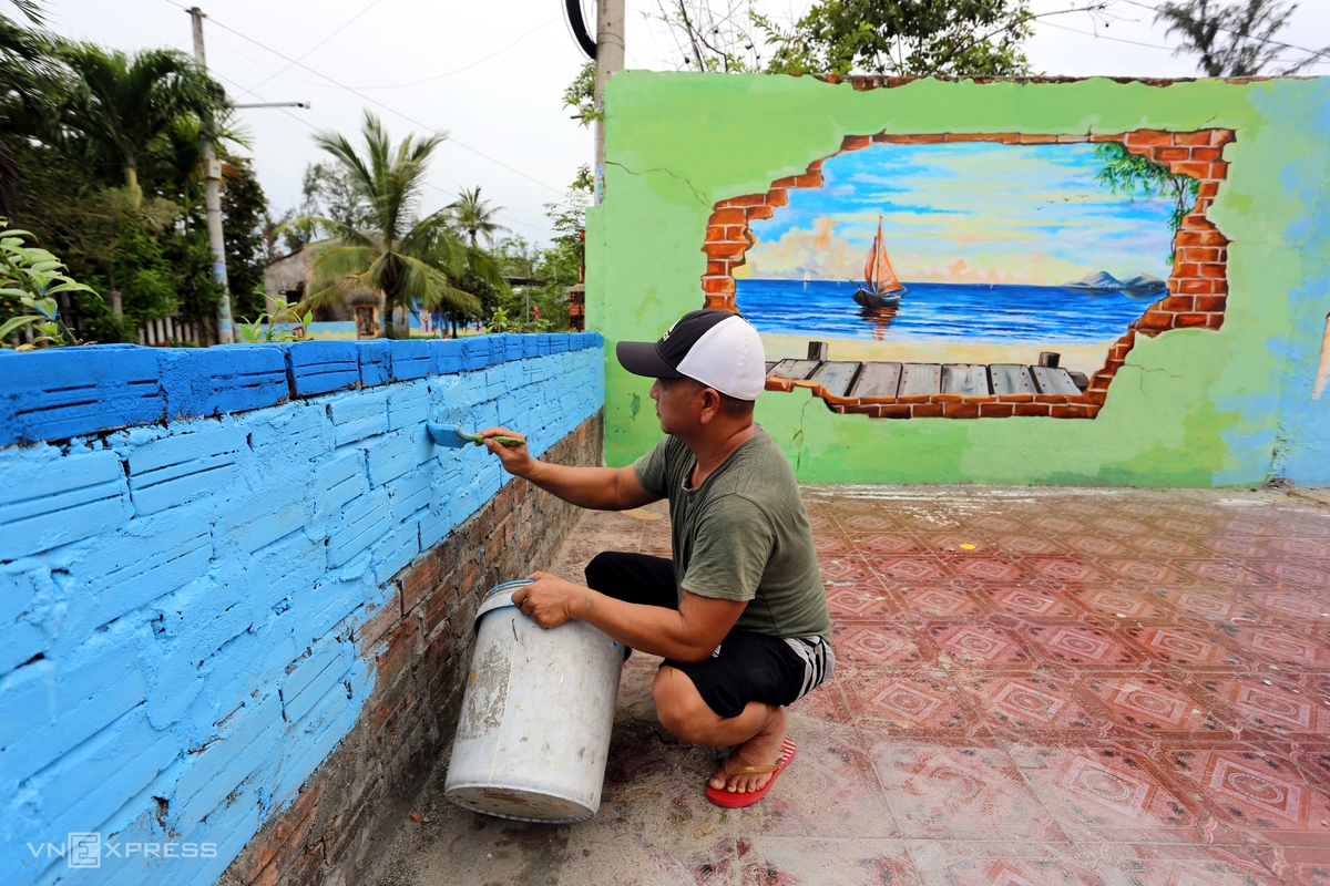 Tran Khanh Binh, a villager, said before the Covid-19 pandemic broke out, there were many visitors to the village. When the pandemic is over, he hopes visitors will be back and have more choices to check in with many