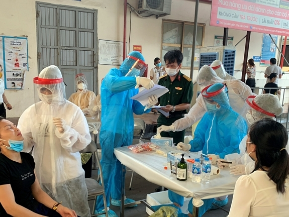 Facing fourth wave of Covid-19, Vietnam applies innovative treatment models