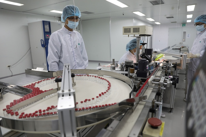 A Sputnik V vaccine production chain in Vietnam. Photo Nguoi Lao Dong