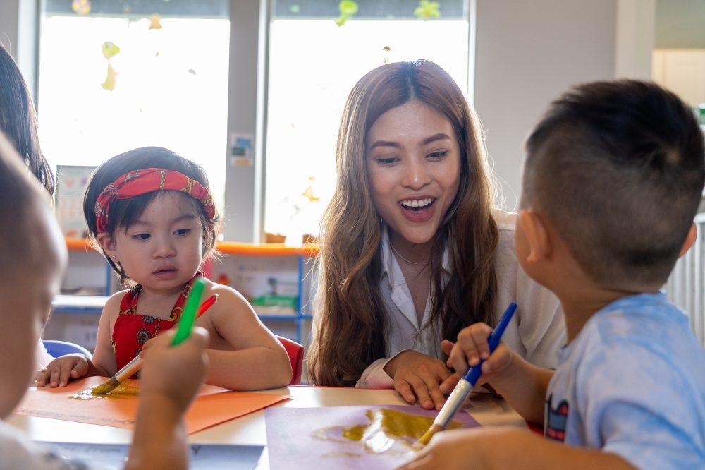 Vietnamese Woman Runs Child Care Center in Houston to Teach Children amid Pandemic