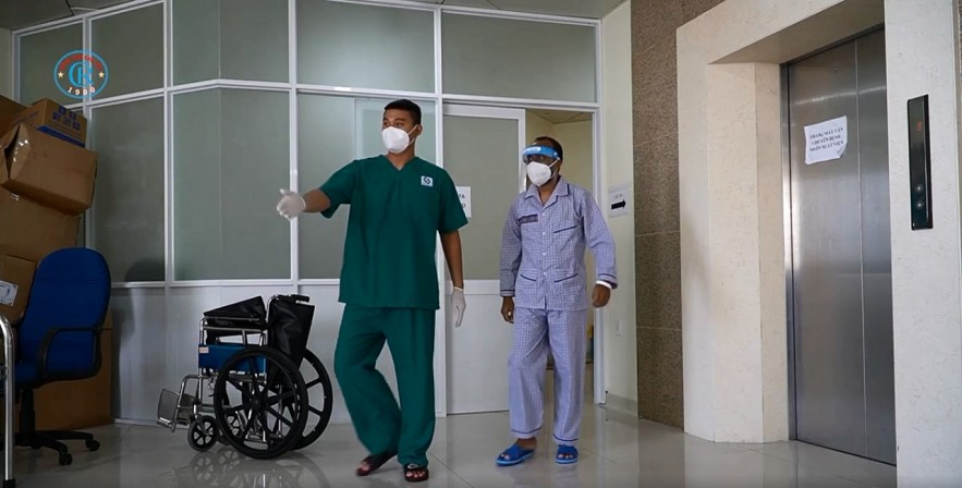 Foreigners Recovery from Covid Grateful For Doctors' Help