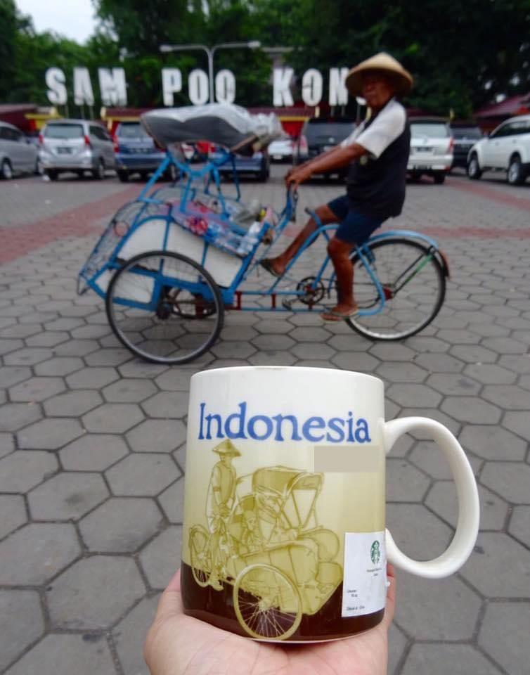 Vietnamese Man Travels World, Recreates Images from Souvenir Cups