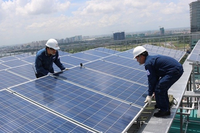 Billion-VND proposal to install solar panels in public buildings