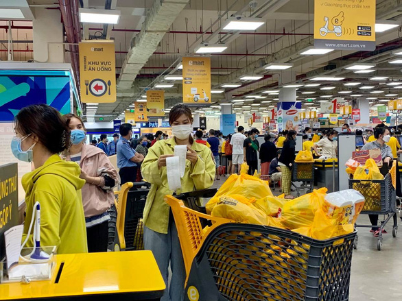 Ho Chi Minh City has enough supplies to meet skyrocketing demand for necessities