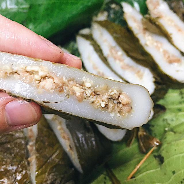 Ant egg cake - the gift of forest that can only be tasted once a year.