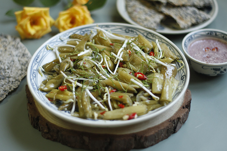Pickled Indian taro: a must-try dish of Nghe An province