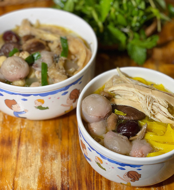 How to make chicken braised with lychee – a unique twist to summer meals
