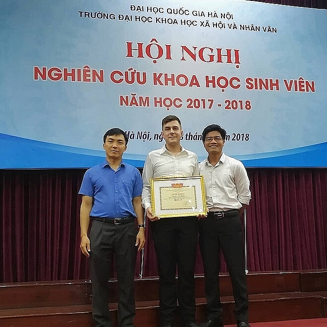 German student earns top mark for 700-page Vietnamese thesis