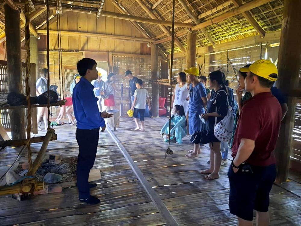 Developing Community-based Tourism in Lang Teng
