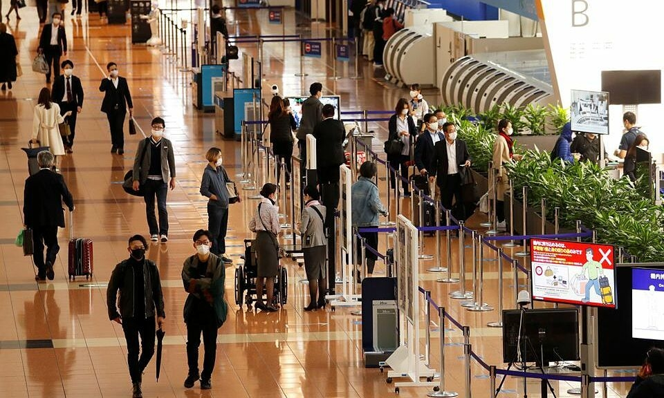 A Contrast Picture: Travel Restrictions Eased While Expats Struggling with Harder Life