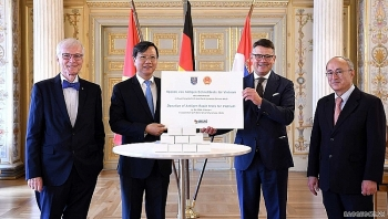 The state of Hessen (Germany) donates 160,000 rapid Covid test kits to Vietnam