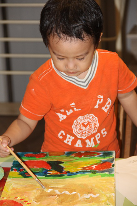 Young Artist Donates VND 3 Billion to Support Covid Fight