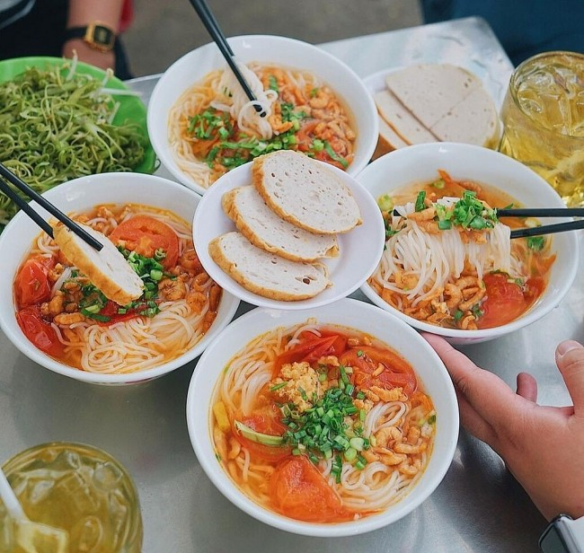 Six Versions of Bun Rieu in Ho Chi Minh City that Mesmerizes Food Lovers