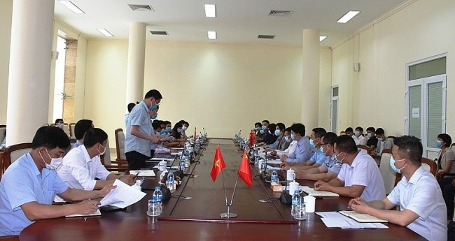 Quang Ninh Remains Friendly with Neighbors from Across the Border