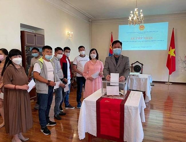 Vietnamese Communities in Mongolia, U.S. Support Homeland Covid Fight