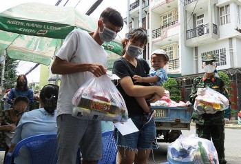 Vietnamese Researchers Advocate for Better Transportation, Welfare During Covid-19 Crisis