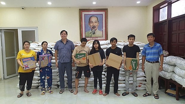 Kien Giang Province Supports Vietnamese in Cambodia Struggling Due to Covid