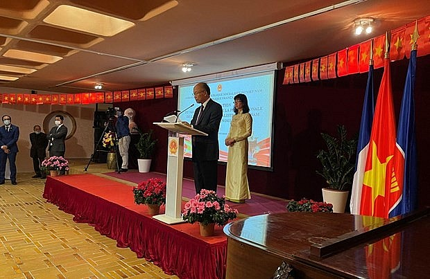 High-level Political Exchange Drives Vietnam – France Relations