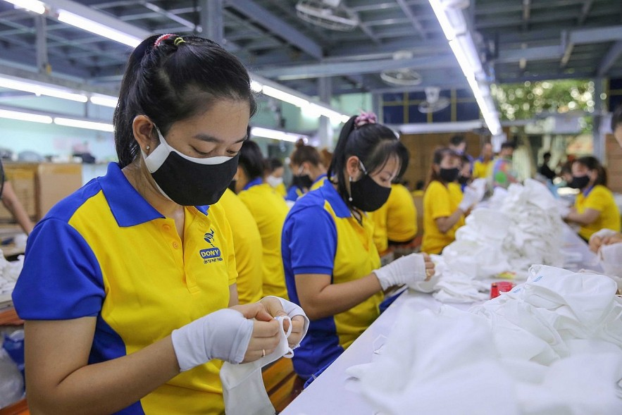 Businesses in Ho Chi Minh City Striving to Resume Production