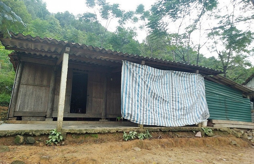 First Woman in Remote Rao Tre Village to Enter University