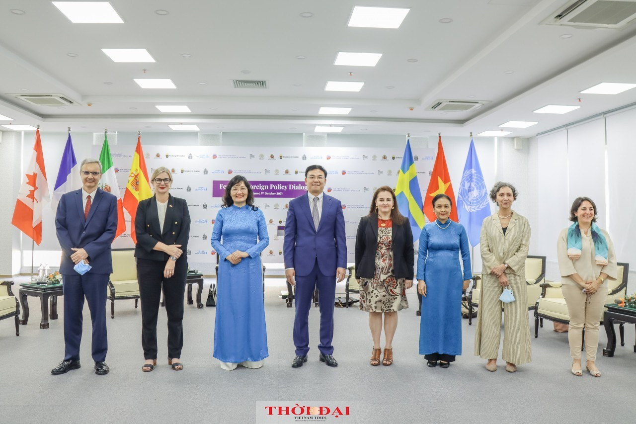 Seminar Tackles 'Feminist Foreign Policy'