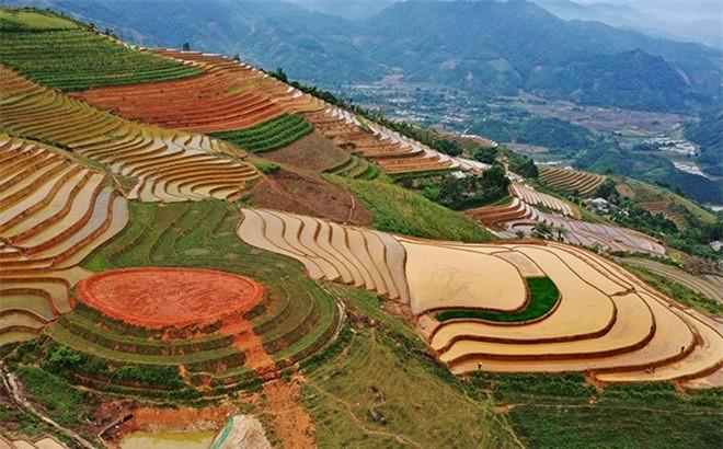 Beautiful Phong Du Thuong Terraced Fields in Yen Bai