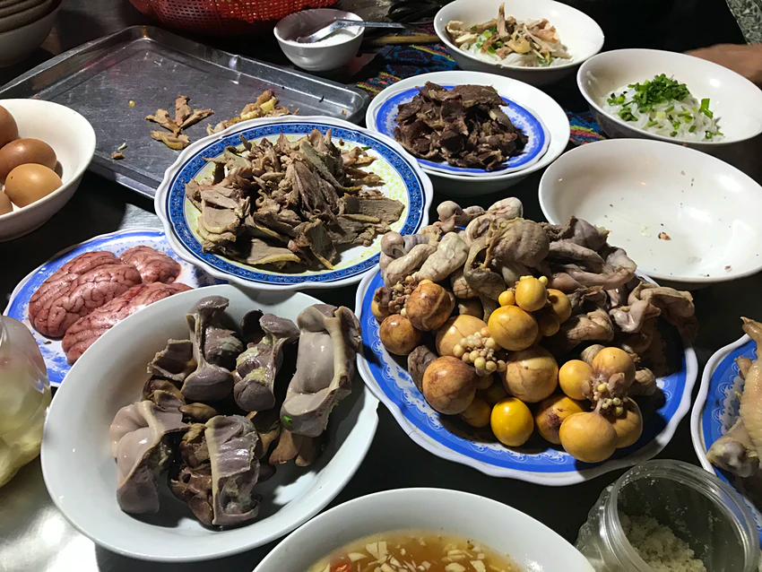 7 unusual Vietnamese food dishes amazing tourists