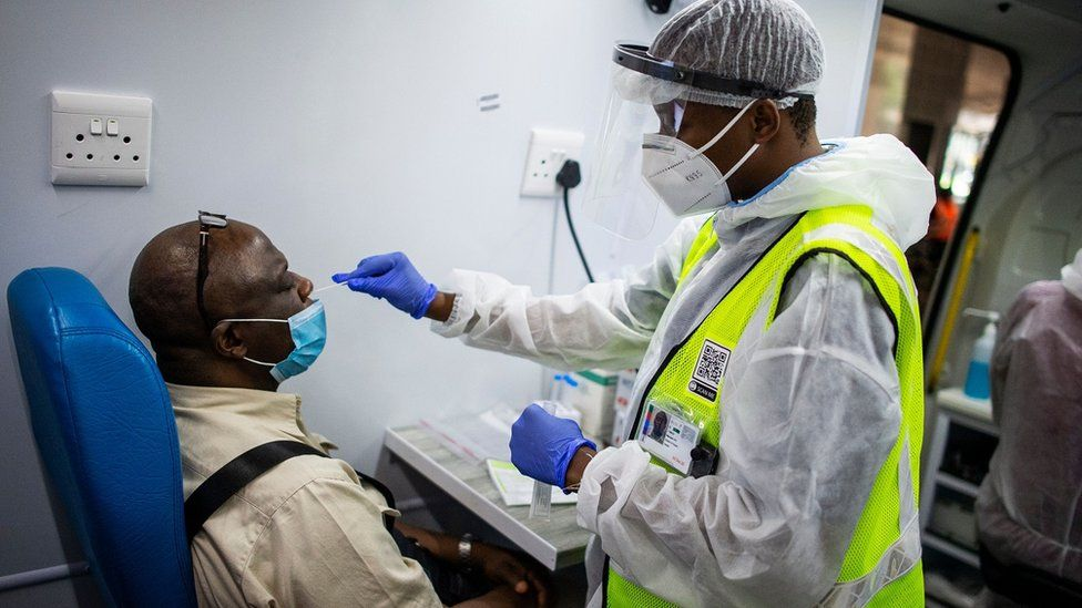 South Africa's vaccine shots delayed and growing concerns of vaccine's effectiveness