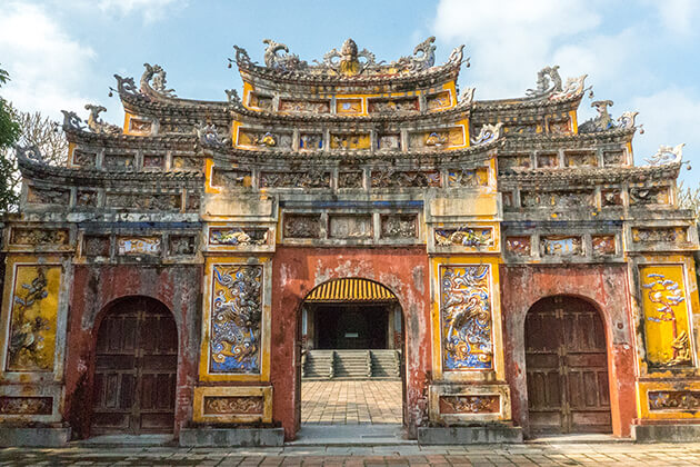 1255 hue monument vietnam vacation packages