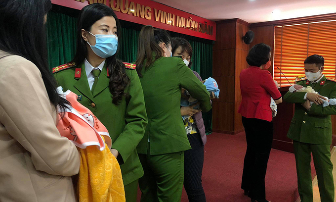 four newborns rescued by vietnamese police in china baby trafficking ring