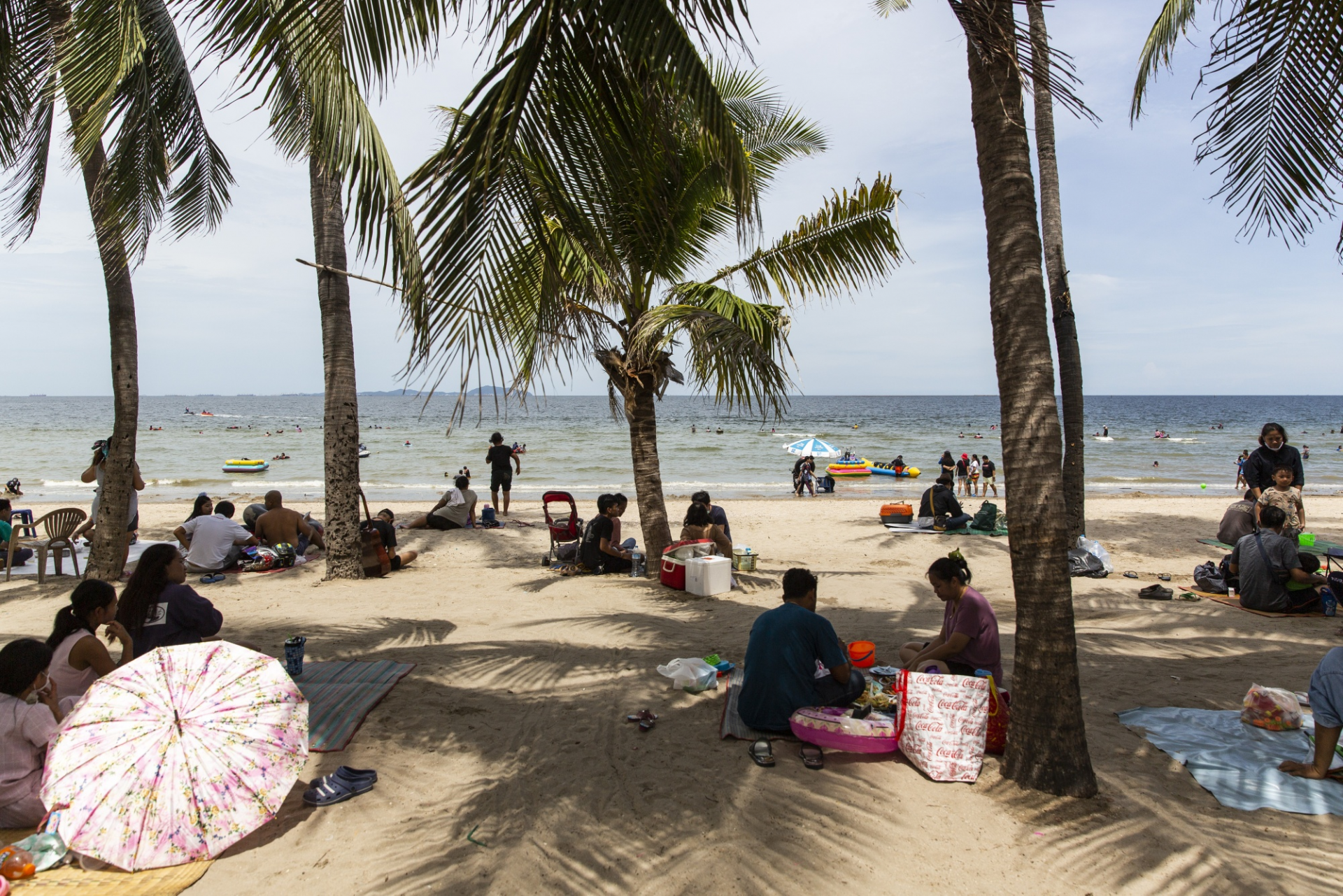 Thailand plans to reopen its air for international tourists soon