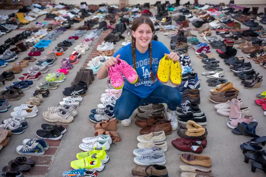 17 year-old girl collected and donated thousands pairs of shoes for homeless people