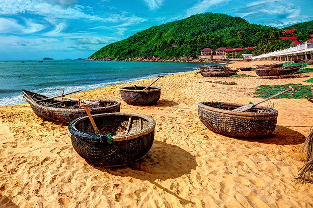 4759-bai-xep-fishing-village-quy-nhon-vietnam-vacation-1
