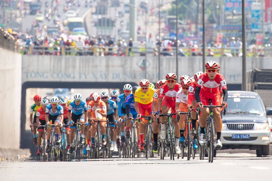 Cyclists take part in the HTV Cycling race in 2020. This year's event will be held on April 6-30 to celebrate Reunification Day. Photo nld.com.vn