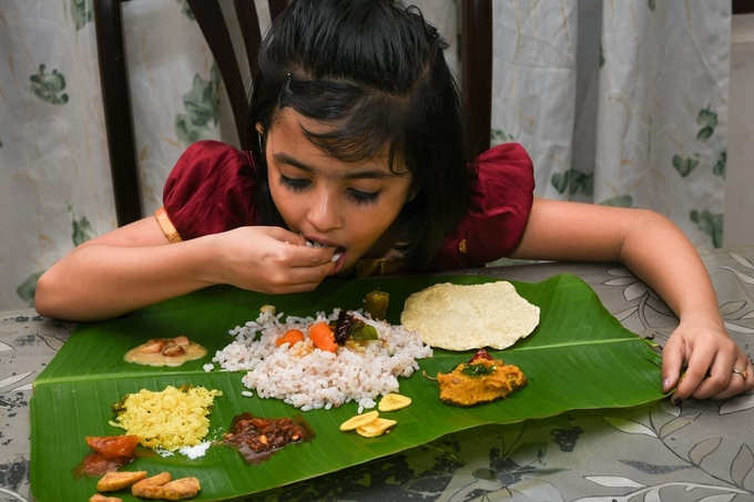 The practice of eating food with the hands dates back centuries. In Indian culture, this practice is founded upon Ayurvedic teachings. The Vedic people believed that hands hold power and that our bodies have a sacred connection with nature. In Ayurvedic text you will find that each finger represents five different elements. The thumb, index finger, middle finger, ring finger and pinky represent space, air, fire, water and earth respectively. That is why Mudras, symbolic and ritualistic gestures used in prayer or spiritual practices like Yoga, are performed with the hands and fingers.