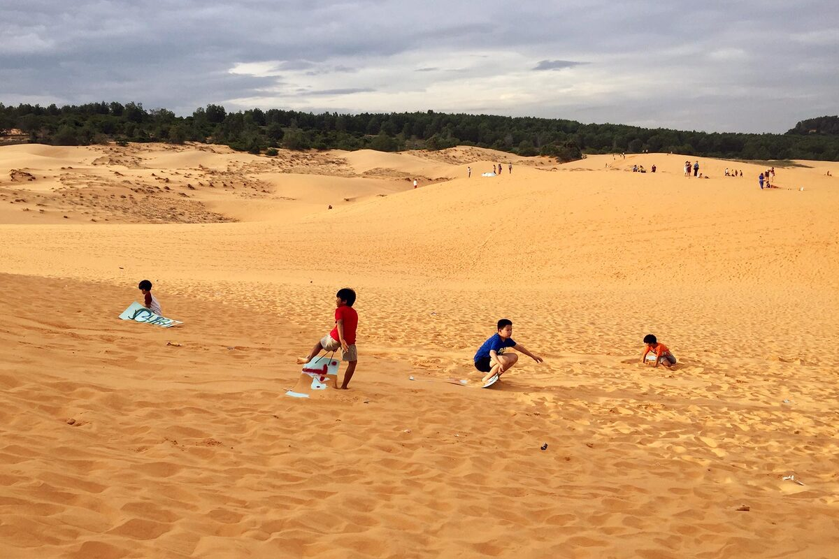 The must-do activity is sandboarding on the dunes of Mui Ne. During your climb, you can rent a plastic board for your descent, for thrills that will remind you of snowboarding. Rolling and laughing in the sand will definitely be on the agenda.