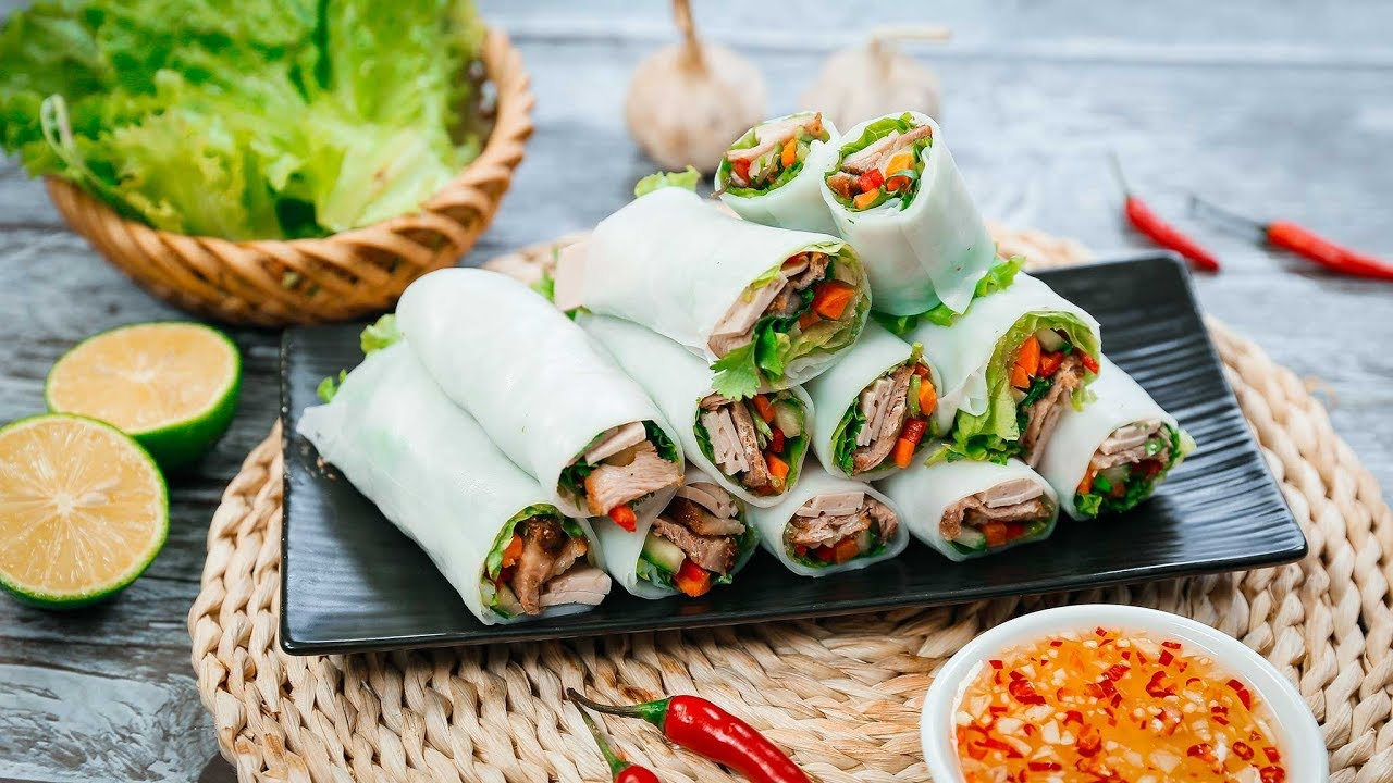 Pho Cuon is one of the favorite food in Hanoi (Photo: Bestpricetravel)