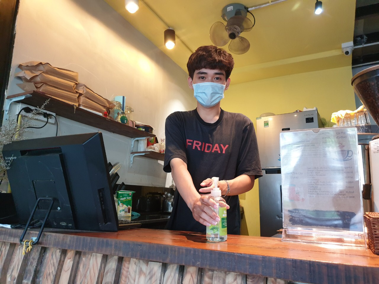 Nguyen Ho Quoc Huy (19 years old, staff at a coffee in District 11)