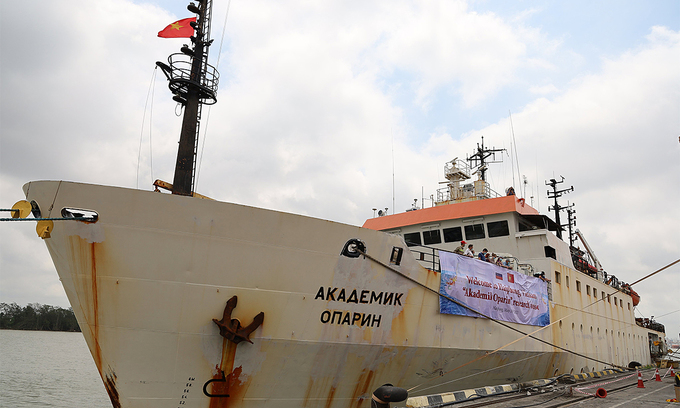 Russian research ship Akademik Oparin docks at Hai Phong Port on May 10, 2021. Photo courtesy of the Vietnam Academy of Science and Technology.