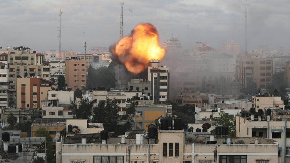 Buildings in Gaza were destroyed in Israeli air strikes early on Tuesday (Photo: Reuters)