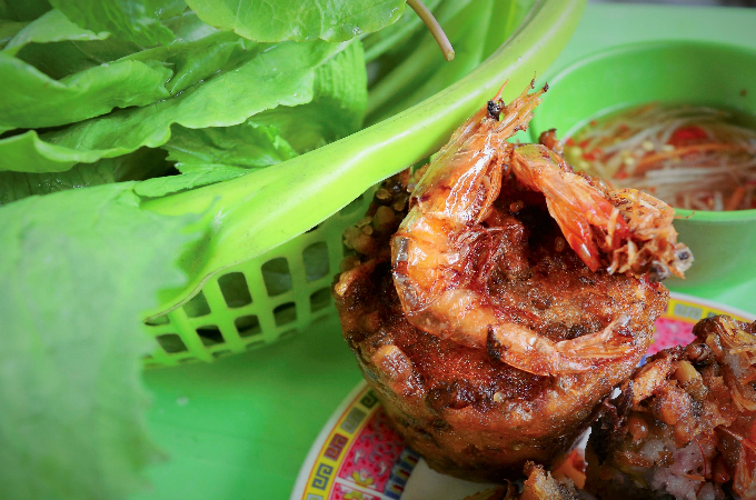 Famous traditional Khmer people's shrimp cake dishes in the delta