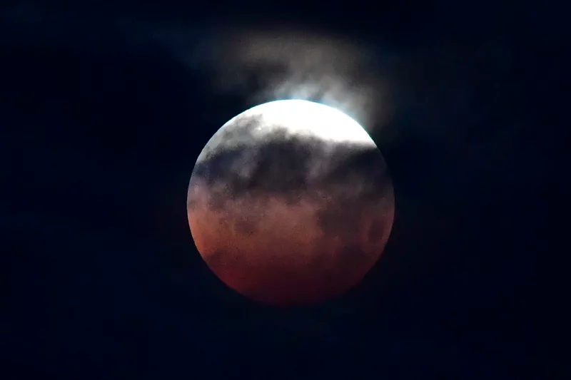 Majestic super blood moon observing on May 26