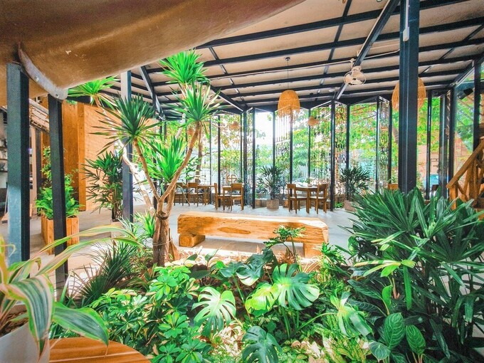 The beautiful garden cafes attracting tourists in Nha Trang