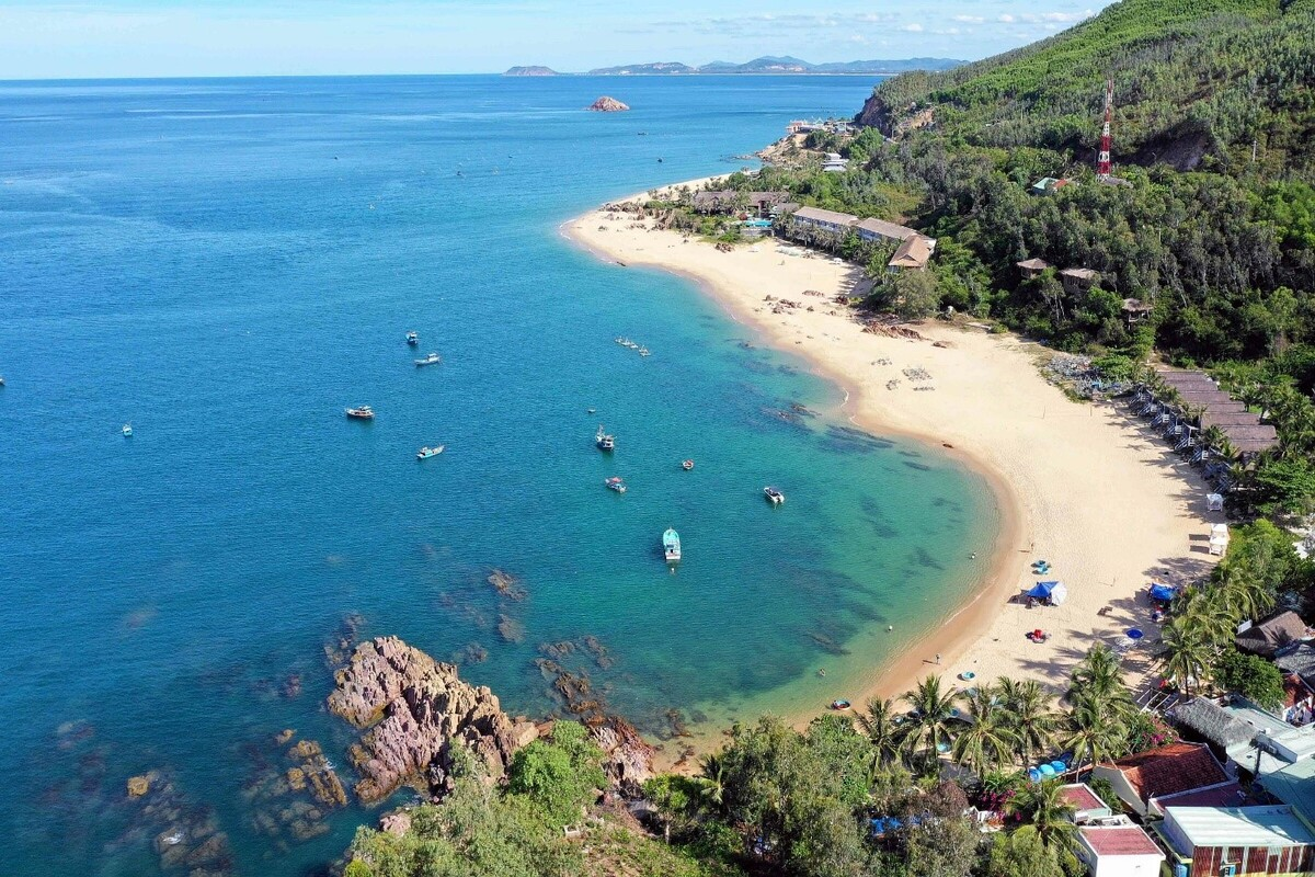 Bai Xep beach has long been loved by a lot of people, from natural and adventurous lovers who love exploring to high-class tourists, especially in the hot summer. Photo: Huu Khoa.