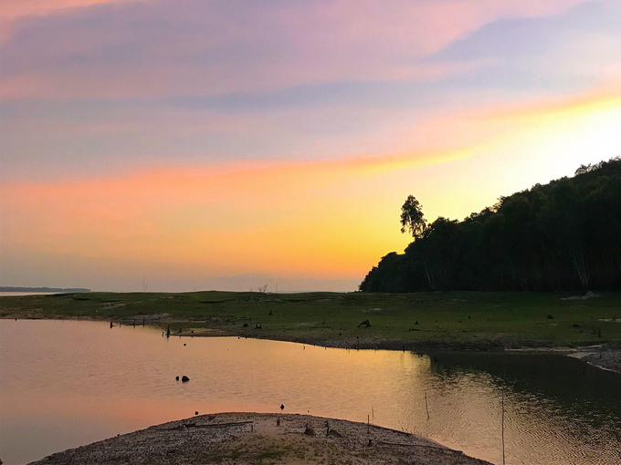 Camping overnight at the largest reservoir-Dau Tieng Lake